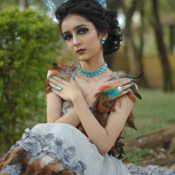 Celebrity Shravani Abhang - Tring India