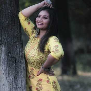 Celebrity Deepa Trivedi - Tring India