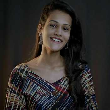 Celebrity Shubhangi Kedar - Tring India