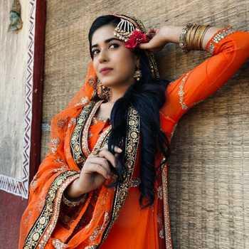 Celebrity Pragya Nautiyal - Tring India