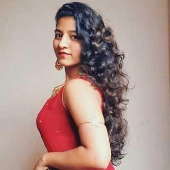 Celebrity Samiksha Pawar - Tring India