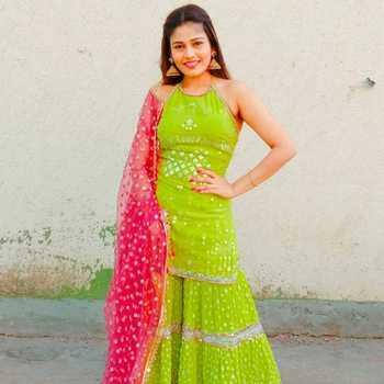 Celebrity Jinal Jain - Tring India
