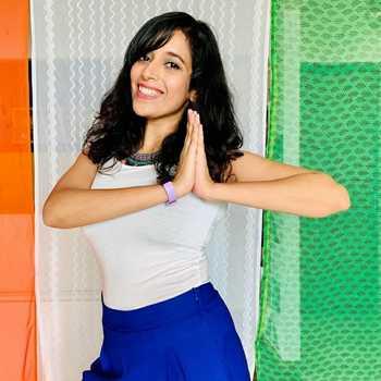 Celebrity Eshna Chopra - Tring India