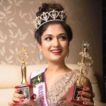 Celebrity Eesha Agarwal - Tring India
