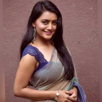 Celebrity Sonali Patil - Tring India
