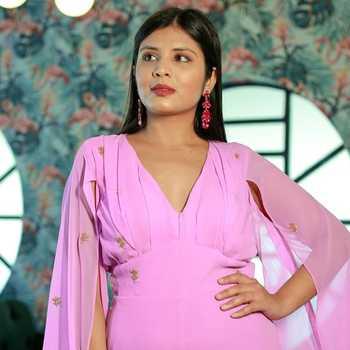 Celebrity Baani Chitkara - Tring India