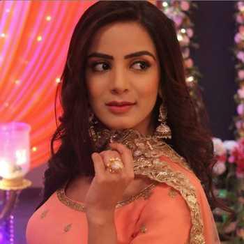 Celebrity Nikki Sharma - Tring India