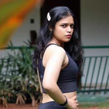 Celebrity Apurva Deepak - Tring India