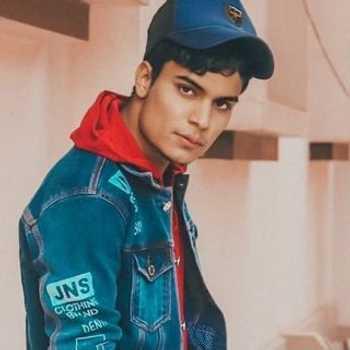 Celebrity Akhil Kasana - Tring India