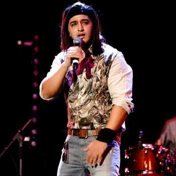 Celebrity Qazi Touqeer - Tring India