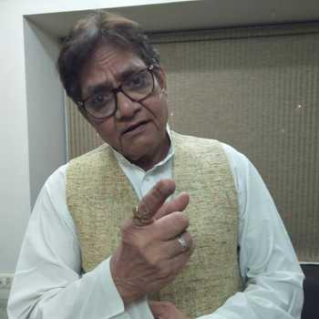 Celebrity Pramod Pandey - Tring India