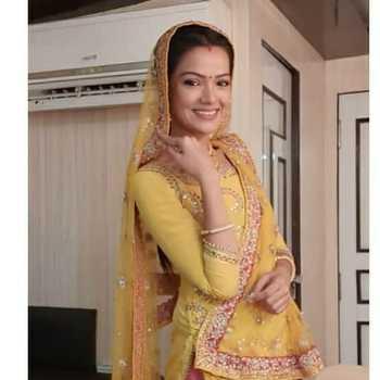 Celebrity Darshna Khandelwal - Tring India