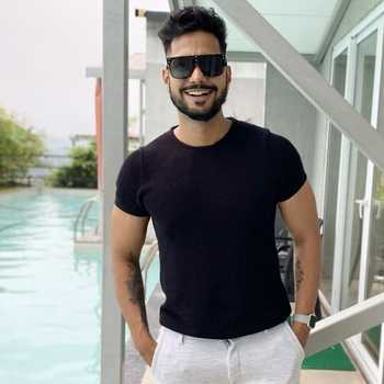 Celebrity Sagar Amale - Tring India