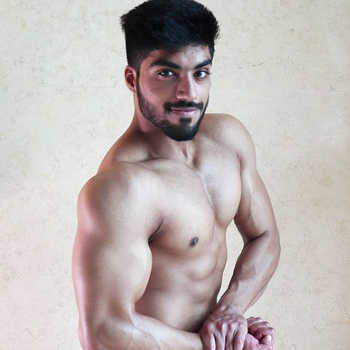 Celebrity Devansh Narula - Tring India