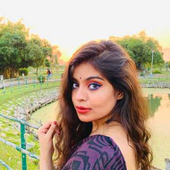 Celebrity Suhina Chakraborty - Tring India