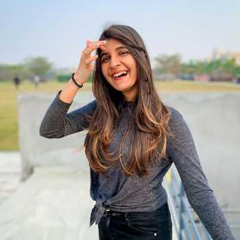 Celebrity Chahat Sodhani - Tring India