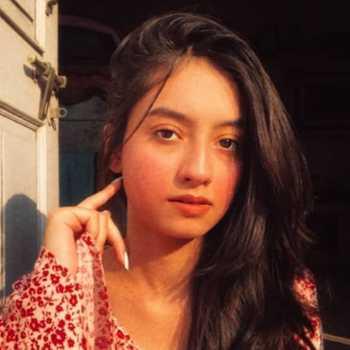 Celebrity Nandini Singh - Tring India