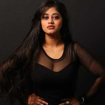 Celebrity Oshika Thakur - Tring India