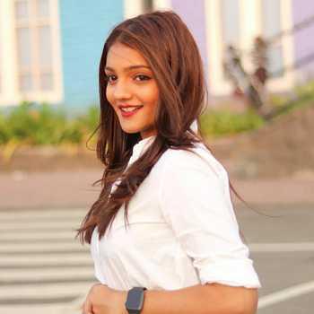 Celebrity Sakshi Chhajed - Tring India