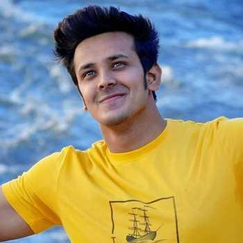 Celebrity Aman Saxena - Tring India