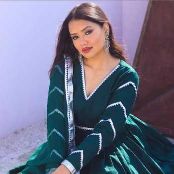 Celebrity Shubhangi Anand - Tring India
