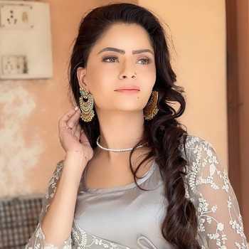 Celebrity Gehana Vasisth - Tring India