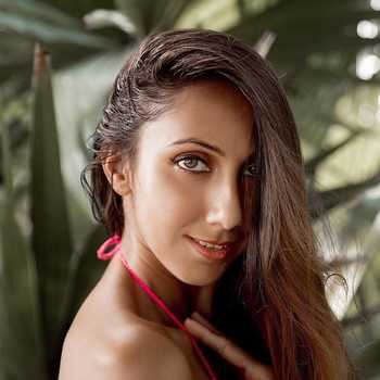 Celebrity Neelakshi - Tring India