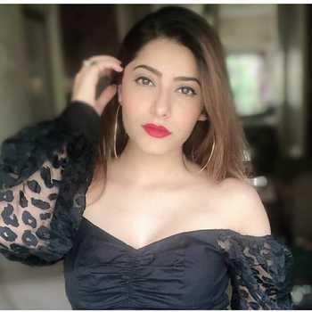 Celebrity Jia Mustafa - Tring India
