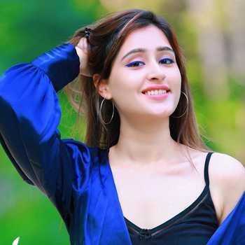 Celebrity Himanshi Tekwani - Tring India