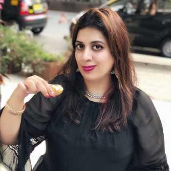 Celebrity Geeta Hansaria - Tring India