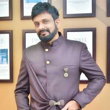 Celebrity Nitin Hajela - Tring India