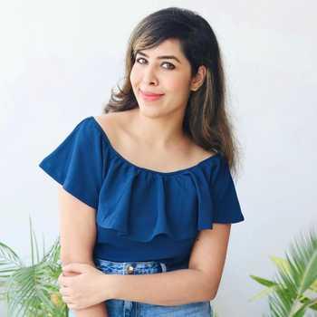 Celebrity Nidhi Chopra - Tring India