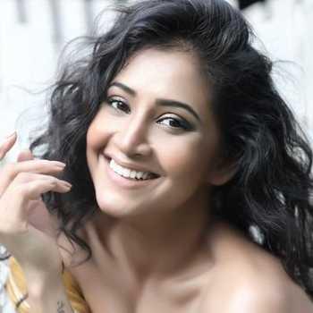 Celebrity Saarvi Omana - Tring India