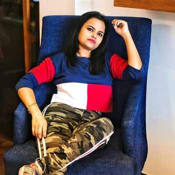Celebrity Rashmi Thakur - Tring India