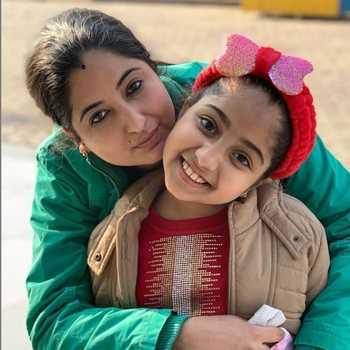 Celebrity Sonia And Myra - Tring India