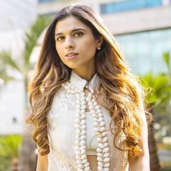 Celebrity Ishna Batra - Tring India