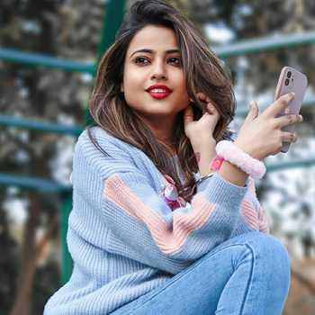 Celebrity Nishu Tiwari - Tring India