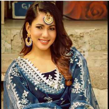 Celebrity Twinkle Vasisht - Tring India