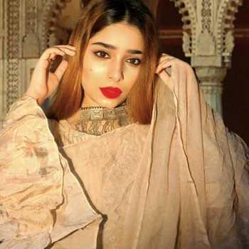 Celebrity Insia Ansar Naqvi - Tring India