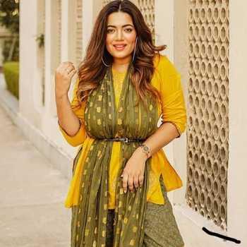 Celebrity Pratibha Bhadauria - Tring India