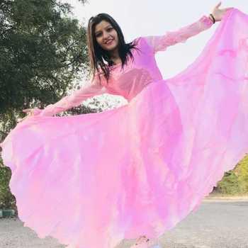 Celebrity Shalu Kirar - Tring India
