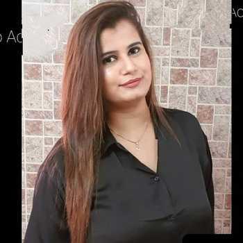 Celebrity Saloni Kamthan - Tring India