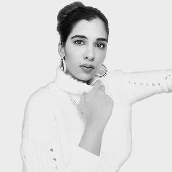 Celebrity Rashi Mehra - Tring India