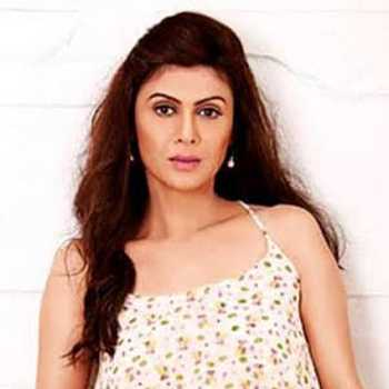 Celebrity Rushali Arora - Tring India