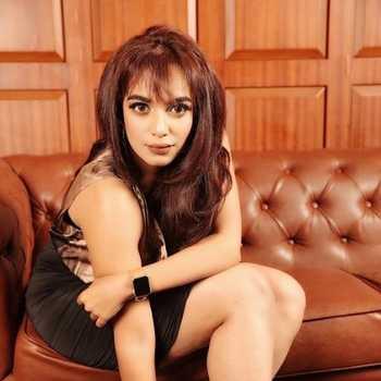 Celebrity Aashna Kanchwala - Tring India