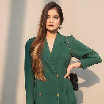 Celebrity Rashi Jhunjhunwala - Tring India