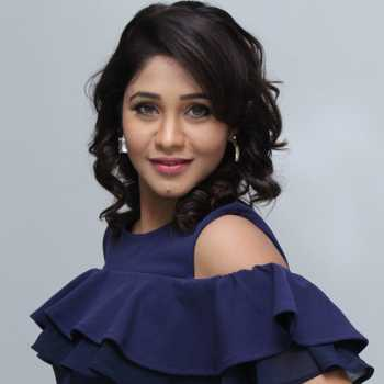 Celebrity Amrapalli Gupta - Tring India