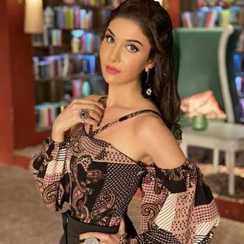 Celebrity Tanu Khan - Tring India