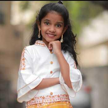 Celebrity Tanvi Pradha - Tring India