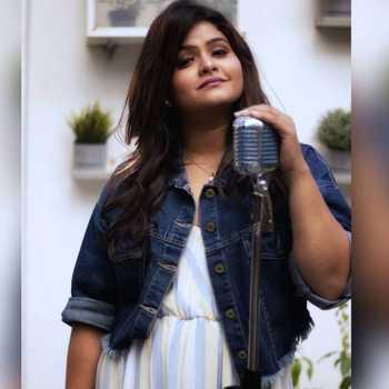 Celebrity Shruti Jain - Tring India